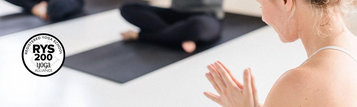 200 timers yogalæreruddannelse